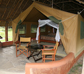 OnsKenia, Nakuru meer Nationaal Park accommodatie Flamingo Hill Tented camp interieur tent