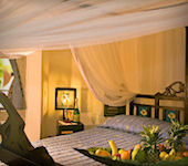 OnsKenia, Severin Sea Lodge beachresort interieur Suite kamer, Bamburi Beach Kenia